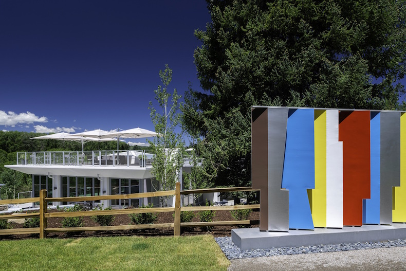 Aspen-Meadows-Bauhaus-School-Celebration-Dan-Bayer