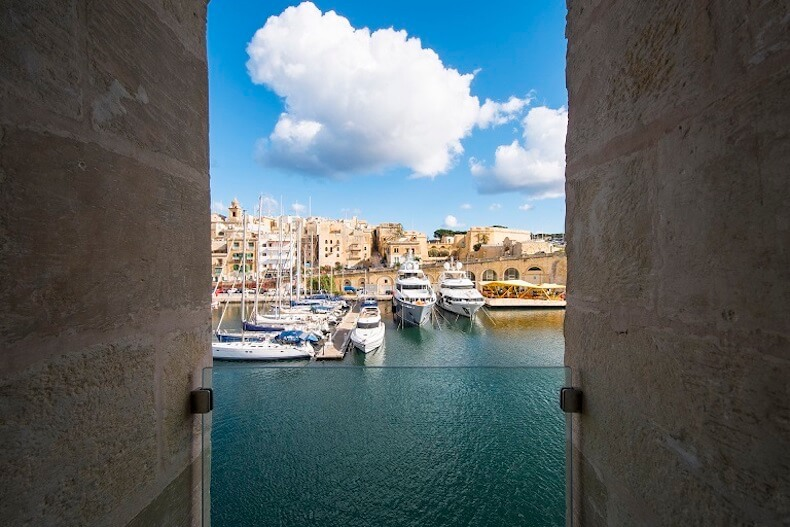 Cugó-Gran-Macina-Grand-Harbour-Cospicua-Harbour-View-from-Suite